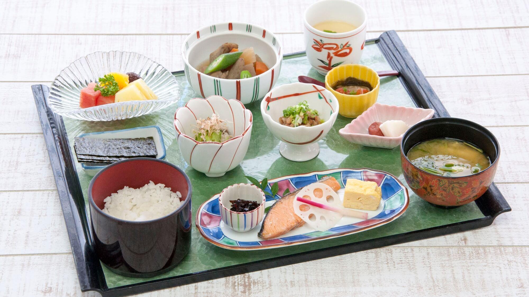 【さき楽45・朝食付】最上階/エグゼクティブフロア☆早期予約でオトクに沖縄旅行先取り♪