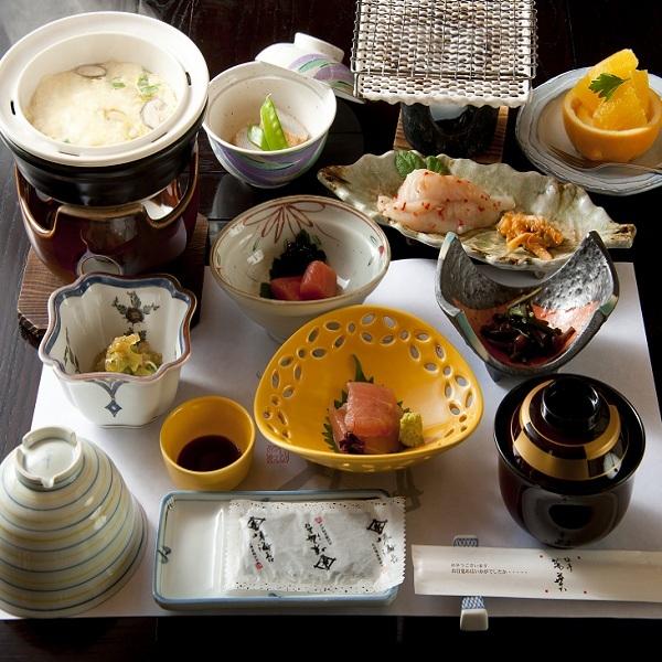 【1泊朝食付】金沢からひとあし〜温泉でひと時の寛ぎを 旅亭萬葉