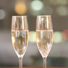 【記念日や誕生日に】シャンパーニュで乾杯◇レイトチェックアウトで22時間の寛ぎの一日