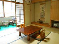 3F和室10畳+広緑2畳トイレ付※禁煙室