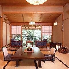 嵐山・楓【庭園側和室8畳+控えの間】