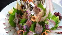 【夕食部屋食】黒毛和牛ステーキ&関アジ姿造りのご当地旬彩懐石プラン