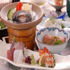 【基本料理】◆人気No6◇【夕朝食部屋食】活き鮑陶板焼×金目鯛煮付★迷ったらスタンダード