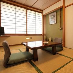 《 桜・松の間 》和室6帖トイレ付