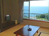 海を眺める和室6畳