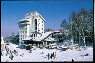 ゲレンデ0分 スキー・スノボーリフト券割引!夕食は和牛すき焼きプラン