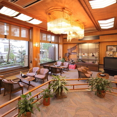 【リーズナブルに会席料理を楽しむ♪】牛サーロインステーキメインの会席が10000円〜!手軽に温泉旅