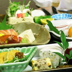 【春夏旅セール】夕食は『毎月旬の素材を吟味した』京会席◆夕朝食付きプラン◆無料駐車場有り!