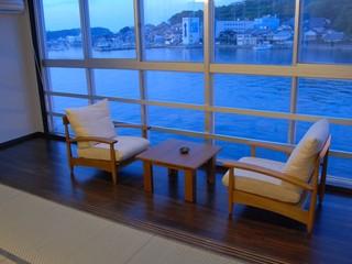明るくて広い海側和室14畳〜風呂付
