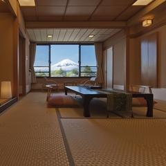 富士山側の部屋お約束☆御夕食は料亭食・お部屋食で☆『富士山プラン』夏休みの家族旅行は富士山で決まり