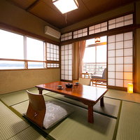 ◆遠くに七尾湾を望む和室8畳◆