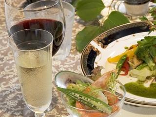 人気→ディナータイムを演出する【フルボトルワイン付き】〜特別な日にもいかが!〜<2食付>