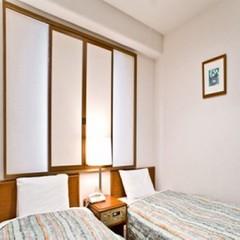 ◆エコノミーツイン◆喫煙◆【シングルルームにベッドが2つ】◆