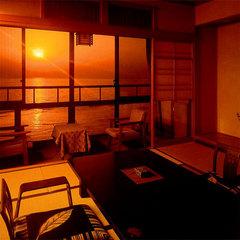 夕陽の見える和室10〜12.5畳【バス・トイレ付】