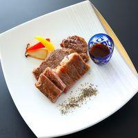 【メイン料理セレクション④】食べ比べステーキ!『和牛ミニステーキ』+『鮑ミニステーキ』付き♪