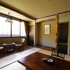 本館 和室10帖(広縁付)