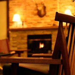 【秋冬カップルプラン】チーズフォンデュとワインで乾杯〜夜は暖炉のあるエコリビングでゆったりと