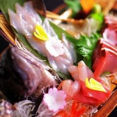 【この時期だけの富山の味】富山湾の宝石!白えび+旬魚の舟盛+氷見牛☆貸切風呂無料
