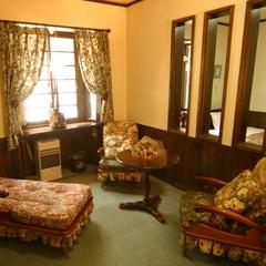バス・トイレ付・ロフト洋室・4人部屋