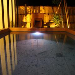 『離れ』神呂木の庄〜月詠・万葉〜<露天風呂付和洋室>100平米に及ぶ空間にプライベート庭の贅沢な造り