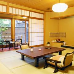 ◆中庭に面したお部屋◆和室12帖【バストイレ付/定員4名様】