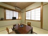 ◇緑豊かな山里東白川村のほっこり和室6畳