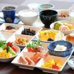 【一泊朝食プラン】自慢の朝食は身体に優しいフレッシュメニュー♪チェックインは〜22:00までOK!