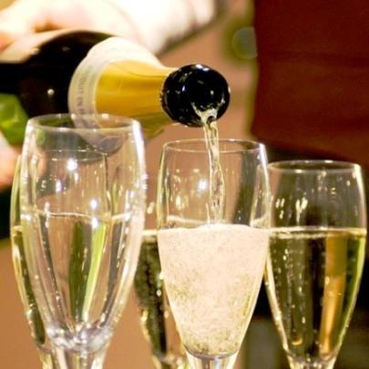 【女子会】チーズ&ワインの特典付☆女子旅応援!温泉でお肌と心に潤いチャージ☆