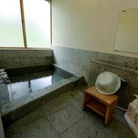 【家族同室】お正月空いてるお日にち限定!内風呂温泉とコテージで寛ぐ〜夕食バイキング♪