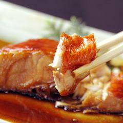 ★下田ブランド!《金目鯛の煮付け》濃厚な旨みを甘辛いタレで召し上がれ♪(4名様〜)