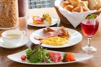 【連泊特典】☆2泊以上の方にお得な連泊プラン2泊につき朝食1回無料!