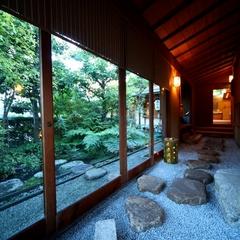 金沢の奥座敷で心尽くしのおもてなし 〜北陸の味と極上の湯に温まる宿〜