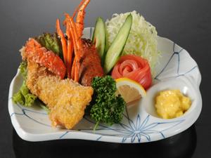 """料理長!一押し!海の幸""""海鮮料理""""を堪能!!夕食はお部屋でゆっくりと〜"""