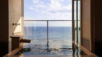 温泉掛流しの半露天風呂付絶景スイート『海月または颯々』禁煙室