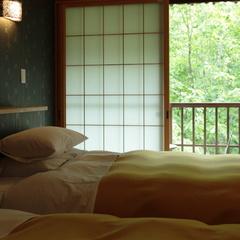 【和洋室客室】セミダブルベッドのツインルーム+10畳和室+4.5畳「ベッドのあるお部屋プラン」