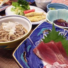 【夕食付】観光や仕事で疲れた後は、ご飯を食べて、ゆっくり寛ぐ