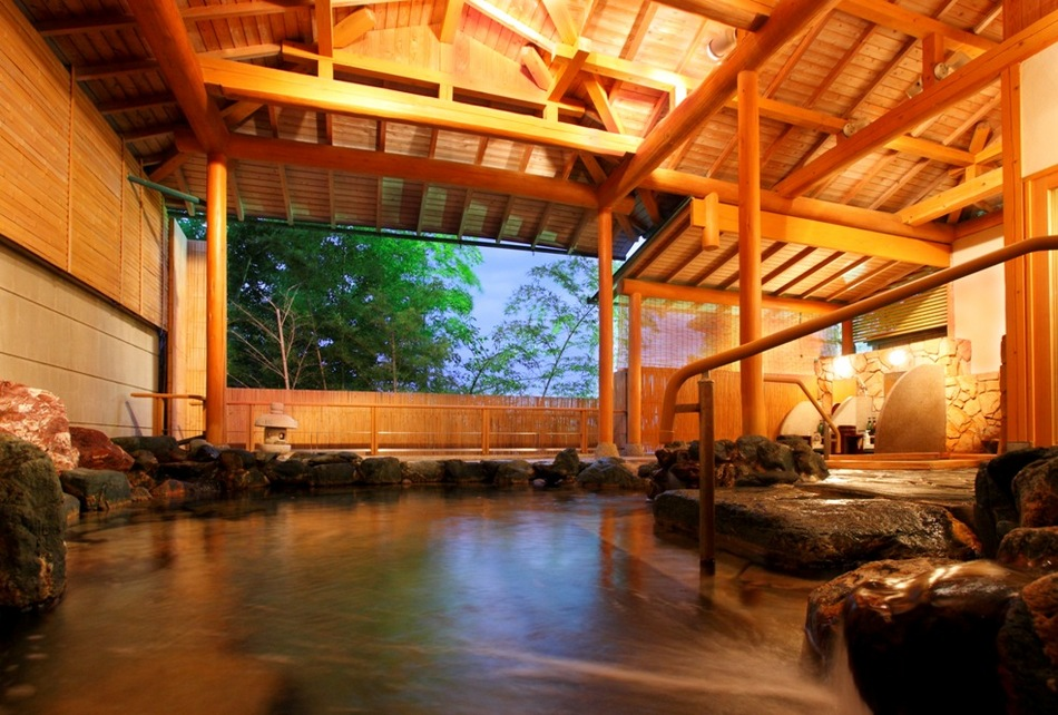 遠州絵巻の湯内「鍾乳石の湯」