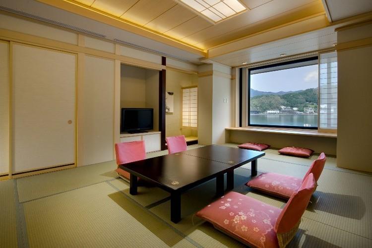 【たまゆら】河口湖を望む展望風呂付客室...
