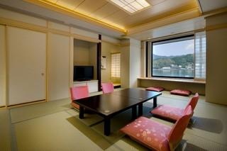 【たまゆら】河口湖を望む展望風呂付客室12畳+6畳