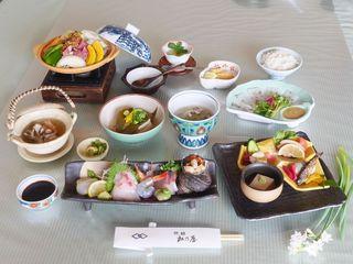 【春の懐石3月〜】内子豚を使ったオリジナル懐石料理を愉しむ 「食事部屋出」和室のみ