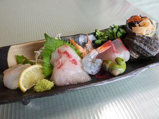 【春の懐石3月〜】媛っこ地鶏を使ったオリジナル懐石料理を愉しむ 「食事部屋出」和室のみ