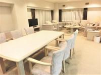 【ホテルに1室だけ】〜8名様まで宿泊可能な広々123平米スイートルーム 和洋バイキング朝食付き〜