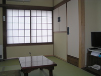 LAN接続 朝食付 4.5畳〜6畳 (禁煙室)1名〜2名様