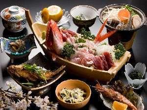 通常プラン(地魚・野菜たっぷり♪舟盛り・サザエのつぼ焼き付き)「現金特価」