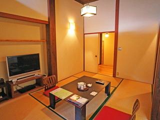 ◆煌煌(こうこう):本館和室6畳1間/広めの岩風呂温泉付き