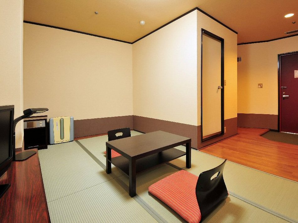 Budget Japanese-Style Room E