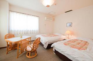 洋室8畳ツインルーム