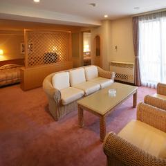 洋室 2ベッドルーム 広々80平米