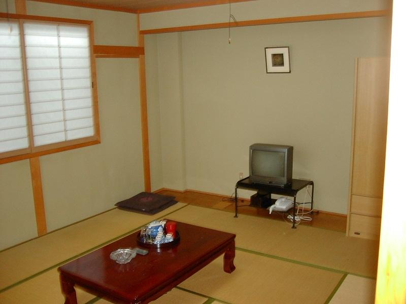 インターネット(無料)の出来る和室に宿泊、食事無しプラン