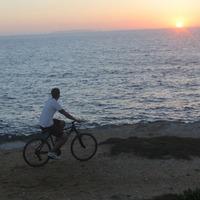 【サイクリングロードを駆け抜ける】奄美の海風を体感!レンタサイクル付き《1泊2食付き》